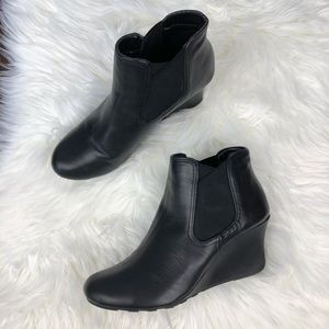 KENNETH COLE | Black Wedge Booties Size 9